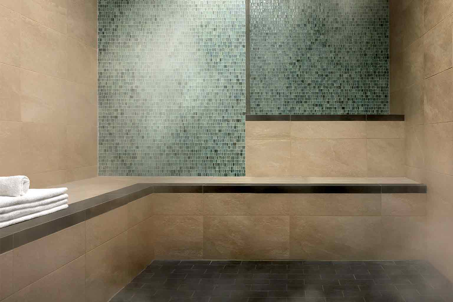 Life Time steamroom