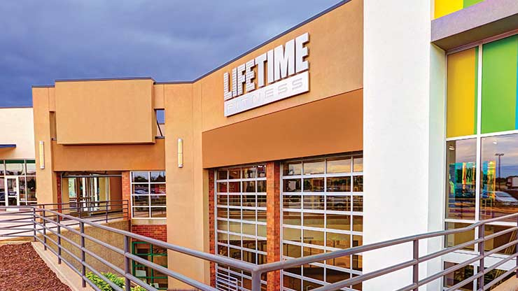 The outside of Life Time Fitness, the best women-only gym in Roseville, MN