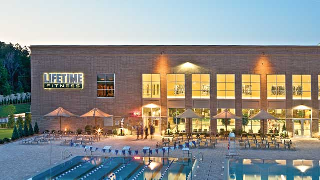 Upscale Gym, Athletic Resort and Spa | Life Time - South Tulsa