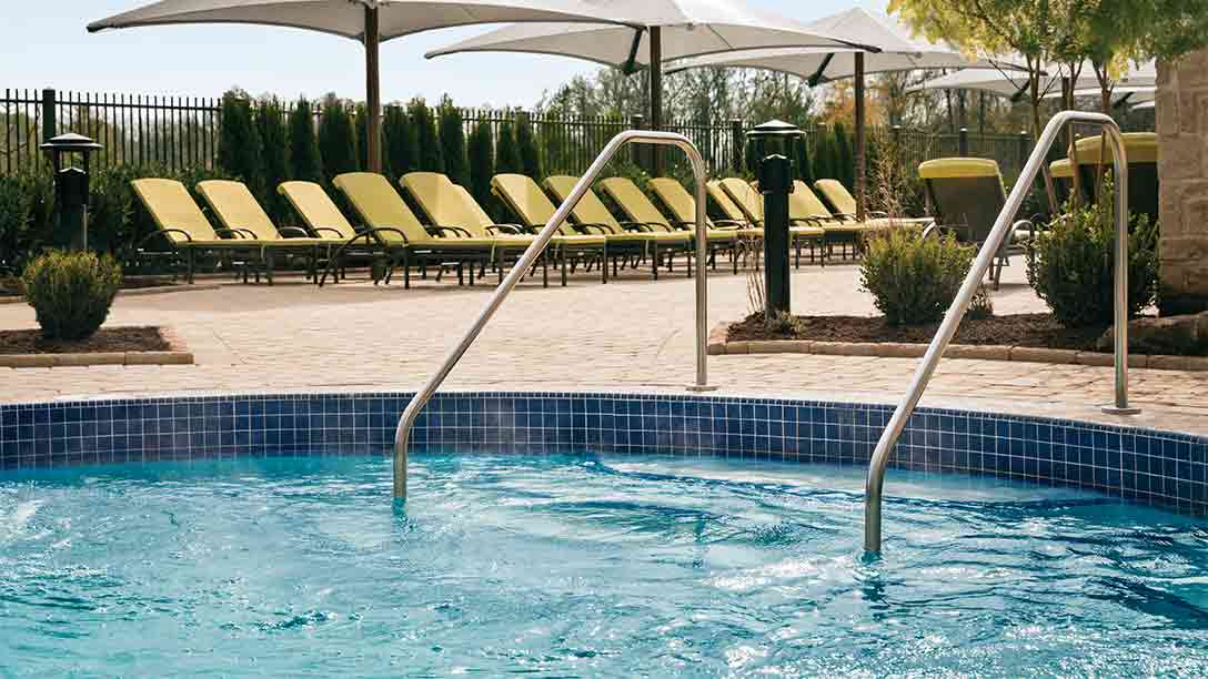 Outdoor pool with comfortable water temperature